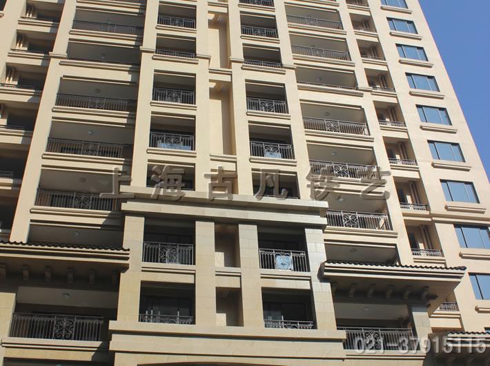 高层住宅小区阳台铁艺栏杆