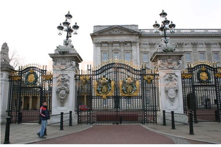 别墅铁艺大门,欧式铁艺大门及高端锻造铁艺大门