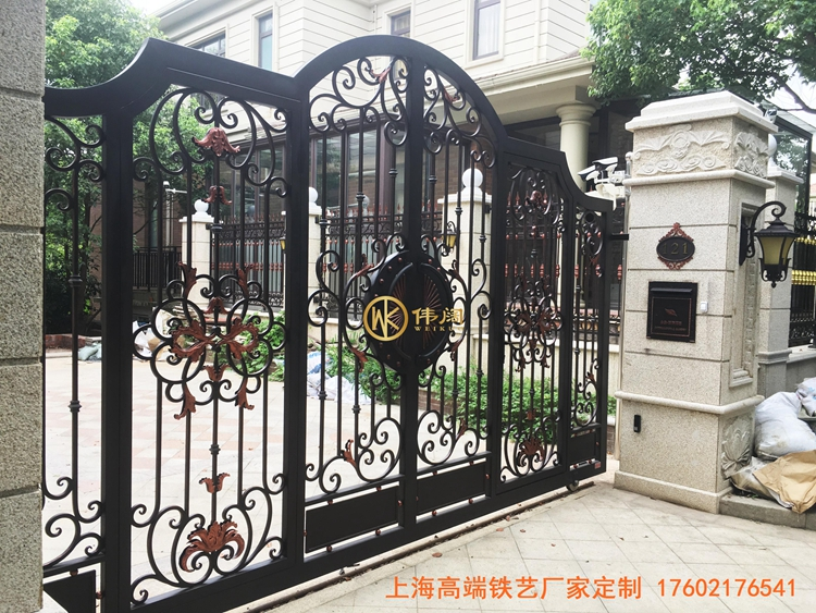 高端别墅庭院铁艺大门,简约风格